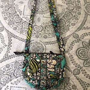 Vera Bradley satchel, with an adjustable satchel.